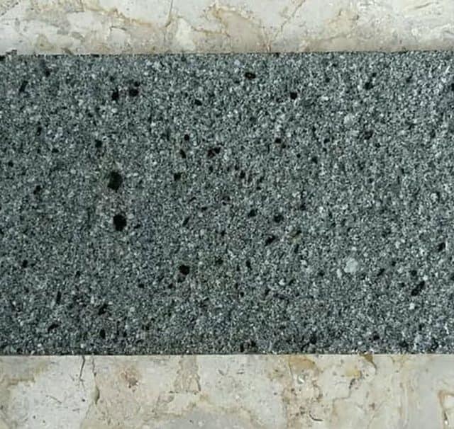 ciri-ciri batu andesit