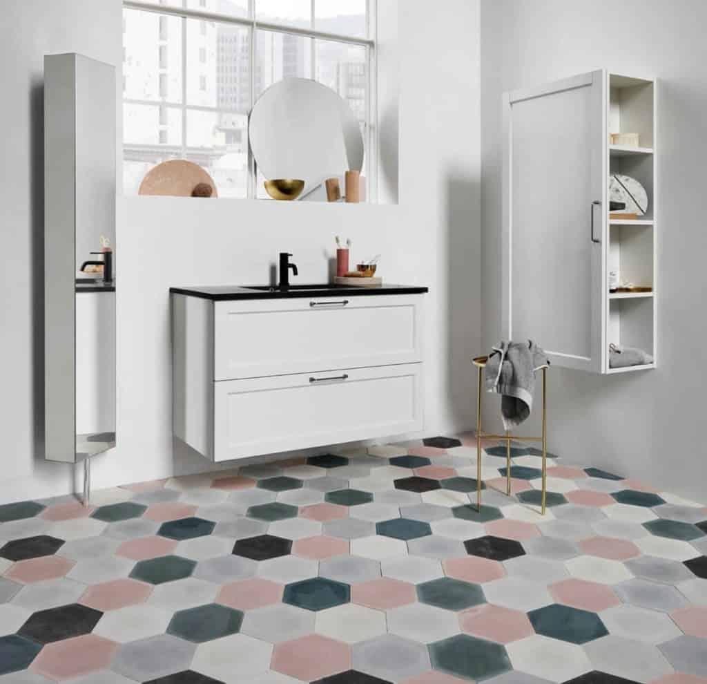 motif keramik kamar mandi sederhana